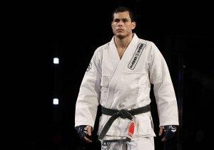 Roger não teve oportunidade de mostrar seu jiu jitsu (Foto: Showtime/Strikeforce)