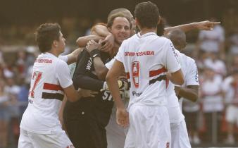 Rogério Ceni marcou o gol da virada tricolor. (Foto: Repordução/saopaulofc.net)