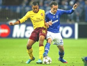 Schalke e Arsenal, nessa ordem, são os classificados do Grupo B (Foto: Reuters)