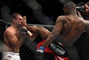 Bones vence Shogun e se torna campeão dos meio-pesados (Foto: Reprodução / UFC)