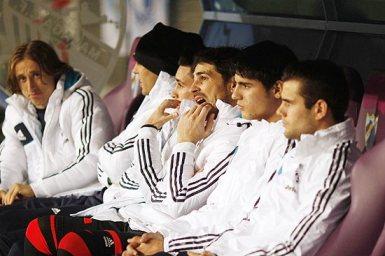 Por escolha de Mourinho, Casillas ficou no banco (Foto: Jon Nazca\Reuters)