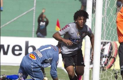 Romarinho comemora seu reencontro com as redes. (Foto: Divulgação/Facebook)