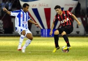 Furacão sofre para empatar com o Nacional (Foto: Divulgação/Site oficial do Atlético-PR)