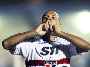 Luis Fabiano foi destaque do São Paulo ( Foto : Eduardo Viana )