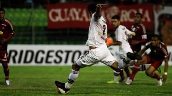 (Fred foi decisivo ao marcar o gol da vitória na primeira etapa\Foto: Site oficial do FLuminense)