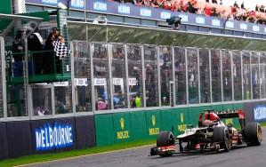 O Homem de Gelo superou todo mundo e venceu o primeiro GP de 2013 (Foto: Reuters)