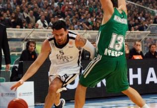 Farmar (esq.) e Diamantidis (dir.) ambos foram bem por suas equipes. (Foto: EuroLeague.net)