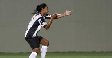 Ronaldinho marcou dois golaços na goleada do Galo (Foto. Washington Alves/ Reuters)