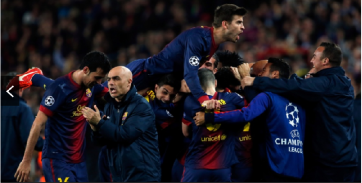 Jogadores do Barcelona comemoram após o gol de Pedro (Foto: AP Photo/ Emilio Morenatti)