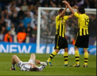 Alemães comemoram vaga na Champions League (Foto:Juan Medina/ Reuters)