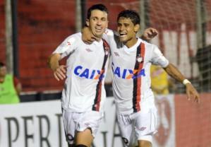 Elias fez o gol da vitória atleticana (Foto: Divulgação-Atlético PR)