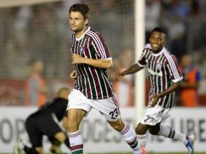 Rafael Sobis comemora gol que deu a vitória ao Fluminense (Foto: AFP)
