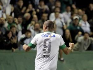 Deivid ajudou o Coxa a conquistar a vitória (Foto: Divulgação-Coritiba)