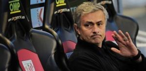 Mourinho sai do Real Madrid com apenas três títulos: La liga, Copa do Rei e Supercopa da Espanha (Foto: AP Photo/ Alvaro Barrientos)