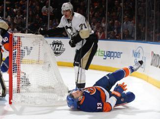 (Em jogo agressivo, Pens aproveitam melhor as oportunidades e eliminam a equipe de Long Island. Foto: Divulgação/NHL)