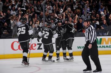 (Kings tomam a virada, mas reagem no final e saem vitoriosos. Foto: Divulgação/NHL)