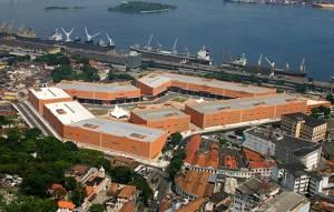 A cidade do samba é a concentração de todos os barracões das principais escolas cariocas ( Foto : divulgação )