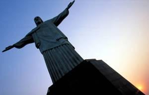 A imagem do cristo redentor é considerada a maior estátua art decó do mundo ( Foto : divulgação )