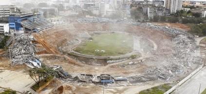 Implosão do antigo Fonte Nova (Foto: Agência A Tarde)