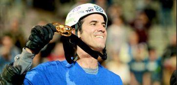 O brasileiro Bob Burnquist exibe mais um ouro em X Games (Foto: Tristan Shu/ESPN Images)