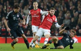 O Arsenal fez jogo duro, mas foi o Bayern quem se classificou para as quartas de final (AFP)