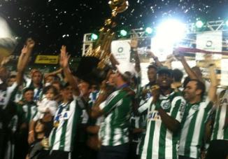Coritiba é tetra campeão do Paranaense. (Foto: Reprodução/Facebook)