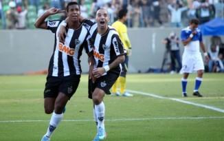 Jô (esq.) e Tardelli (dir.) marcaram na vitória do Galo (Foto. Reprodução/Globoesporte.com)