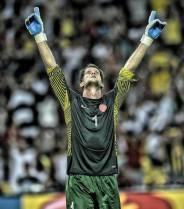 Mikael Roche agradece aos céus o pênalti perdido por Torres (Foto:Divulgação FTF)