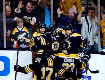 (Krejci marcou o primeiro gol da batalha no TD Garden. Foto: Divulgação/NHL)