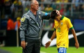 Neymar não tem atuado bem com a amarelinha (Foto: AFP)