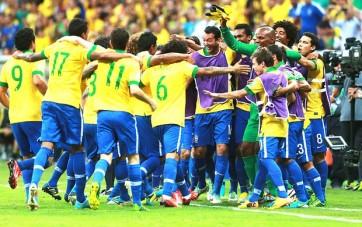 Jogadores brasileiros comemoram (Foto: Getty Images)