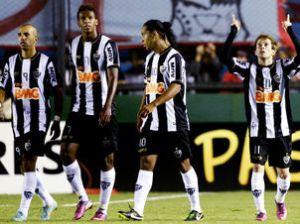 Quarteto ofensivo terá a missão de furar a defesa do NOB (Foto: Juan Mabromata/AFP)