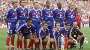 Foto dos campeões de 1998 (Foto: AFP)