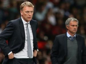 No banco, Moyes e Mourinho travaram um interessante duelo (Foto: Getty Images)