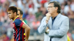 Neymar estreiou em uma partida oficial pelo Barcelona neste domingo (Foto: Reuters)
