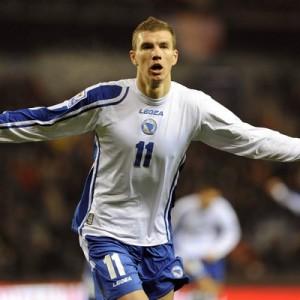 Atacante do Manchester City, Edin Dzeko é o artilheiro da Bósnia (Foto: Sport.co.uk)