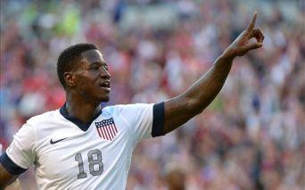 Eddie Johnson marcou o primeiro gol da vitória americana (Foto: API)