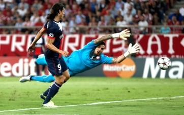 Uruguaio Cavani abriu o placar para o PSG (Foto: Reuters)