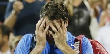 Eliminação precoce colocou em dúvida o futuro de Federer (Foto: REUTERS/Eduardo Muno)