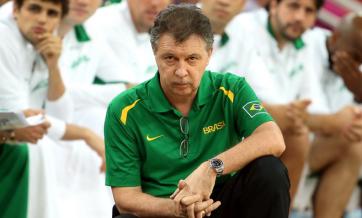 Para Oscar, Rubén Magnano deveria deixar o cargo de técnico da seleção. (Foto: Getty Images)