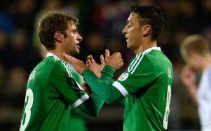 Ozil anotou um dos gols da seleção alemã (Foto: Bongarts)