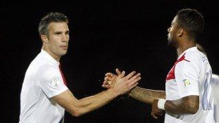 Artilheiro, Van Persie ajudou a classificação da Holanda para a Copa no Brasil (Foto:Albert Gea/Reuters)