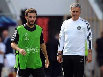 Mata foi cobiçado por outros clubes, mas permaneceu no grupo de José Mourinho (Foto: Getty Images)