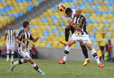 Jogo foi marcado pela forte marcação e falta de criatividade das equipes (Foto: Rubens Chiri / saopaulofc.net)