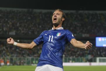 Pelo Grupo B, a Itália venceu a Bulgária com gol de Gilardino (Foto: AFP)