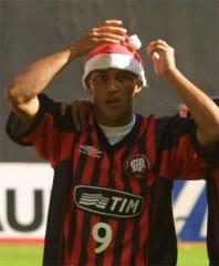 Alex mineiro deu um presentão de natal para o Furacão: o título brasileiro de 2001 (Foto: Reprodução Globoesporte)