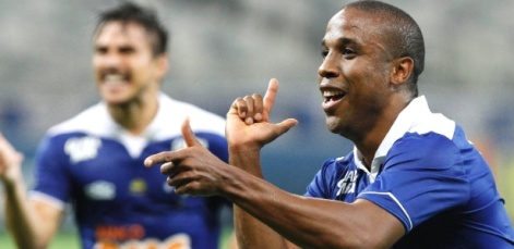 Borges anotou dois na goleada do Cruzeiro (Foto: Washington Alves/Textual)