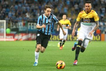 Maxi Rodriguez foi o destaque pelos mandantes, deu movimentação ao meio de campo, mas não evitou a derrota. (Foto: Divulgação/Site Oficial do Grêmio)