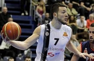 Mesmo draftado, o francês Joffrey Lauvergne continua no Partizan. (Foto: Reprodução/Draft Express)