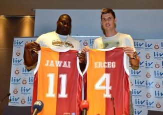 Jawai e Erceg são as novidades no Galatasaray. (Foto: Divulgação/Galatasaray)